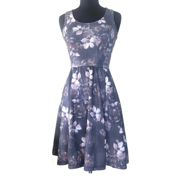 Jessica Simpson Cute, Gray, Floral Mini Dress